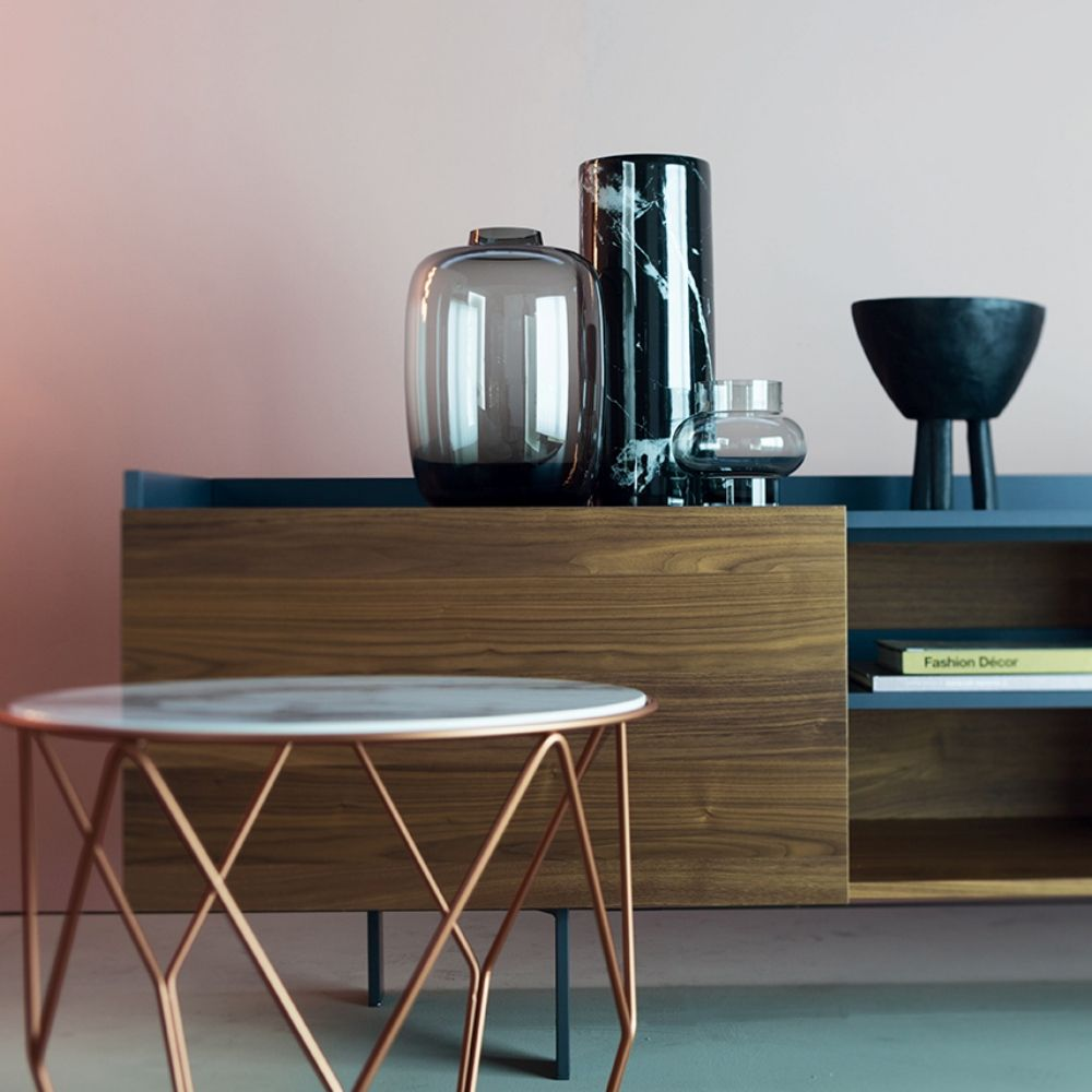 Bonaldo coffee table with metal base, Ø 50 cm; copper base available upon request