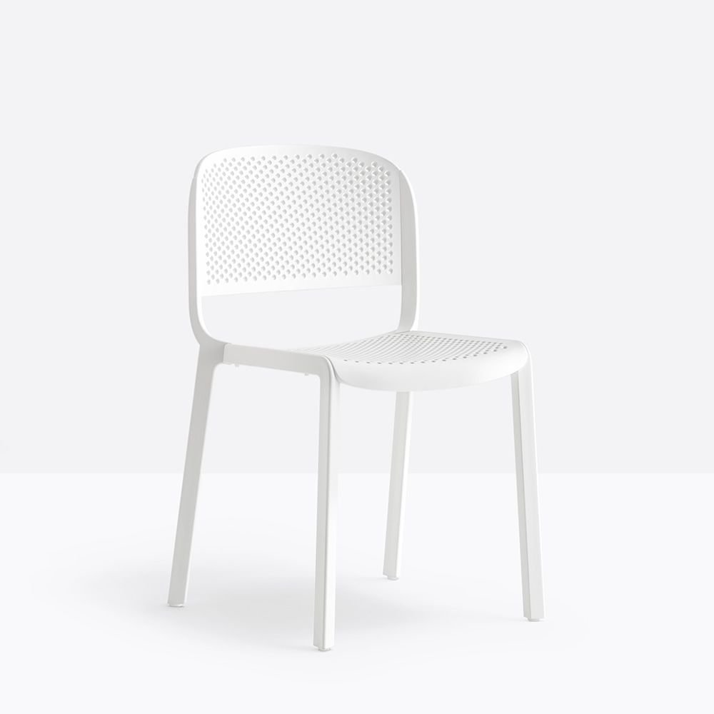 Stackable chairs in white polypropylene