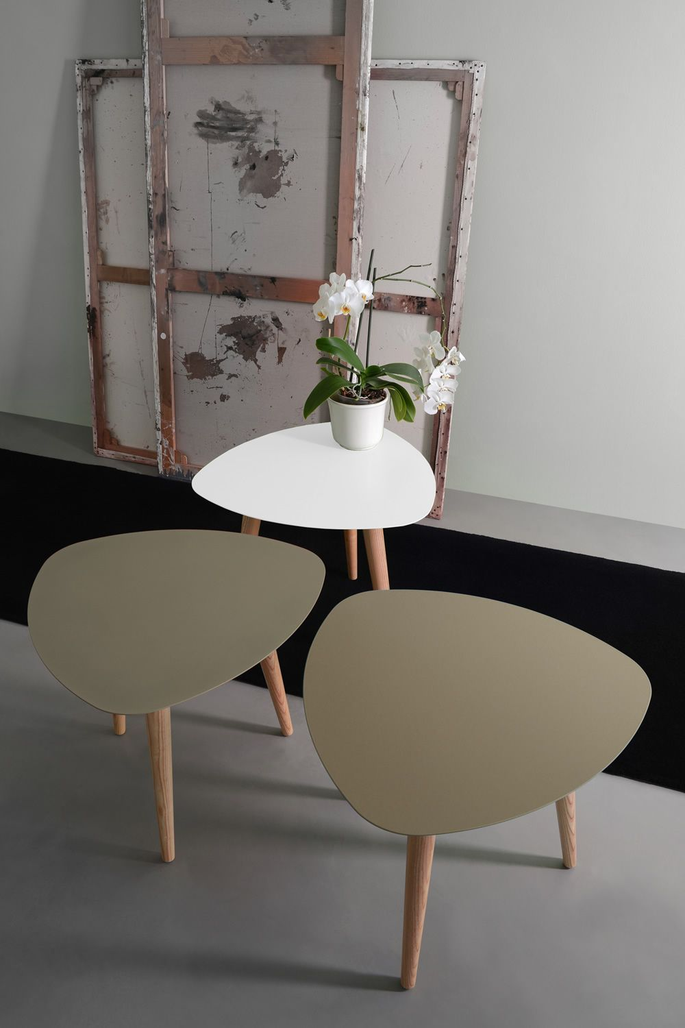 Coffee table made of ash wood with varnished metal top in white colour, matched with Nord2 coffee table