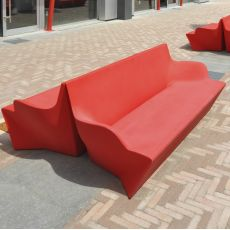 Kami Yon - Slide sofa in polyethylene, also for the garden, available also with cushion and lighting system