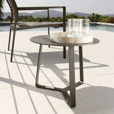 Touch - C2 - Round low table in aluminium, available in several sizes