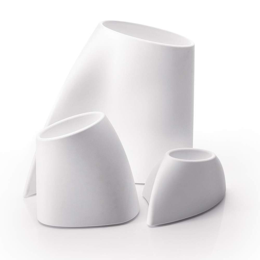 Vase made of Poleasy®, in white colour, also for outdoor