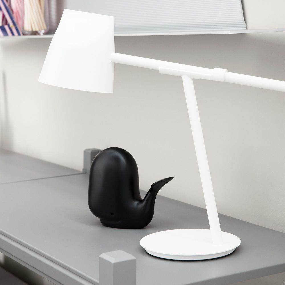 Table LED lamp made of white varnished steel