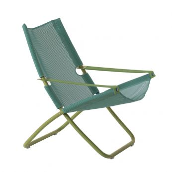 Snooze - Green varnished metal beach chair, net in mint green colour