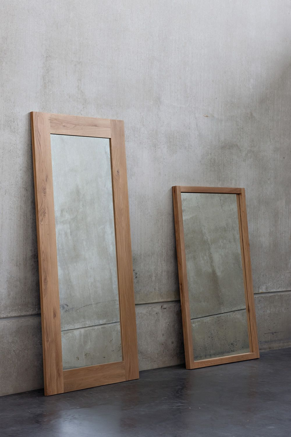 Mirror with oak frame, matched with LF mirror
