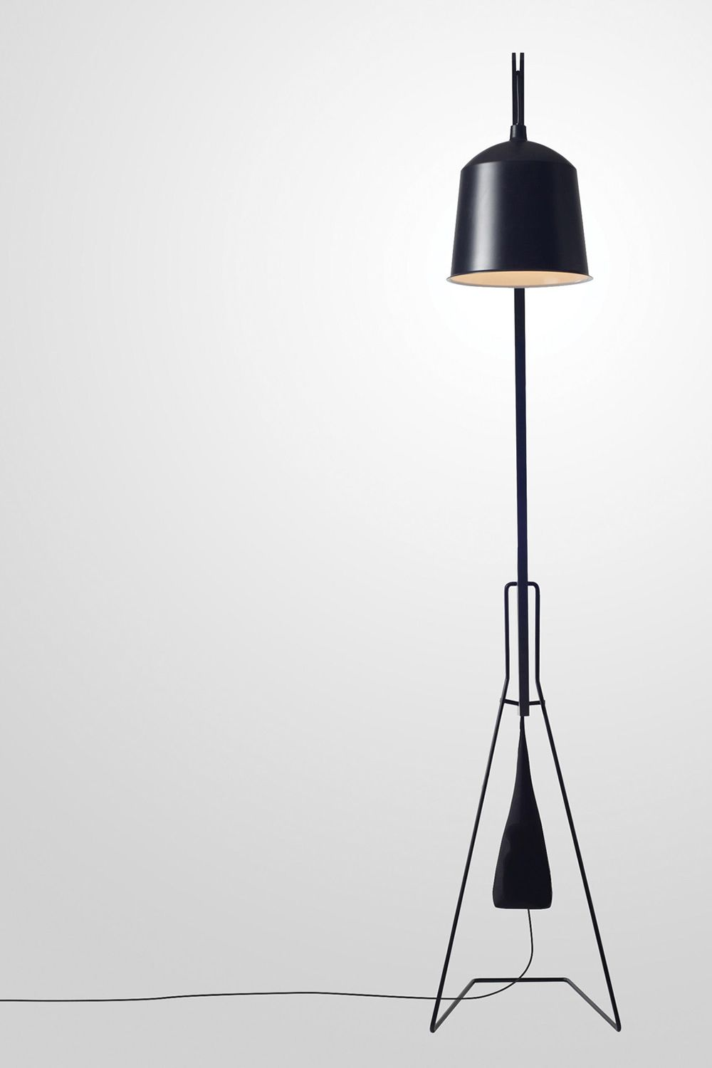 A Floor Lamp Couleur Total black