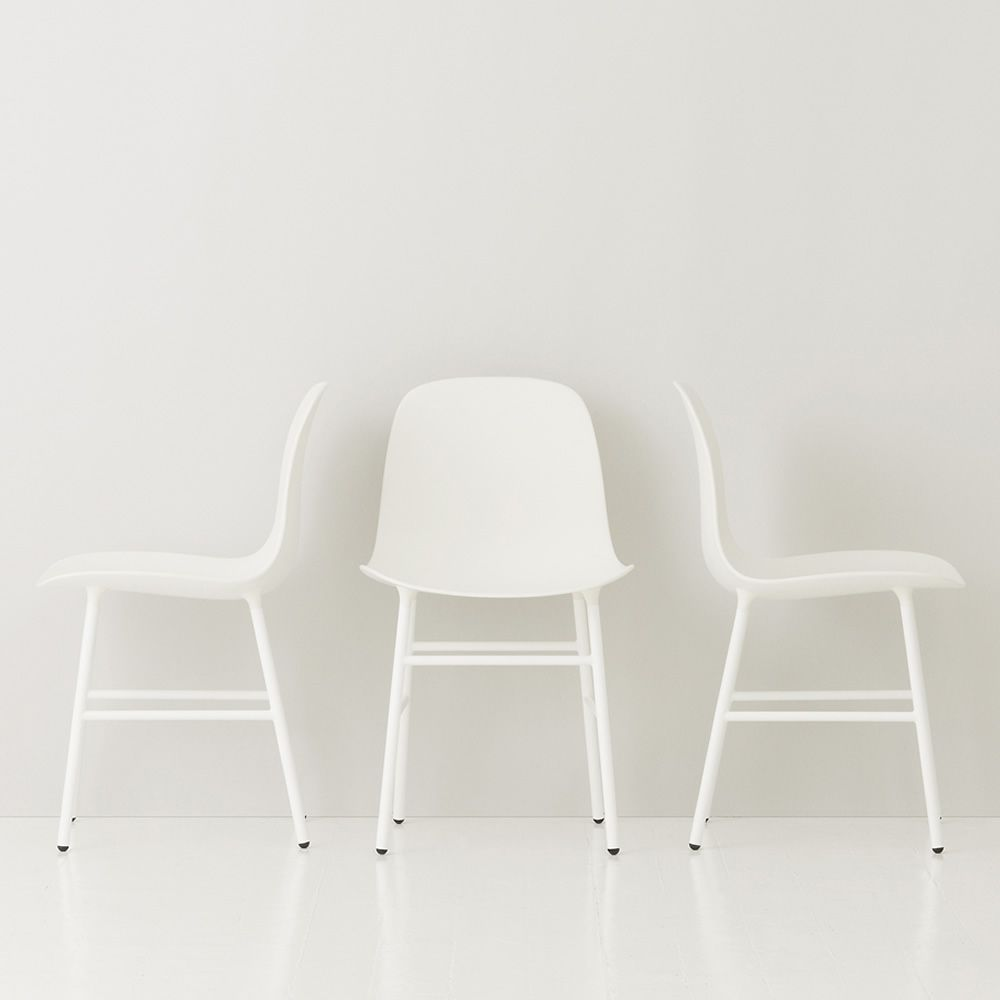 Chair made of lacquered metal with polypropylene seat, white version