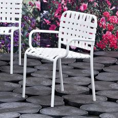 InOut 824 - Gervasoni armchair, in aluminium, with PVC seat or with elastic belts, stackable, also for garden