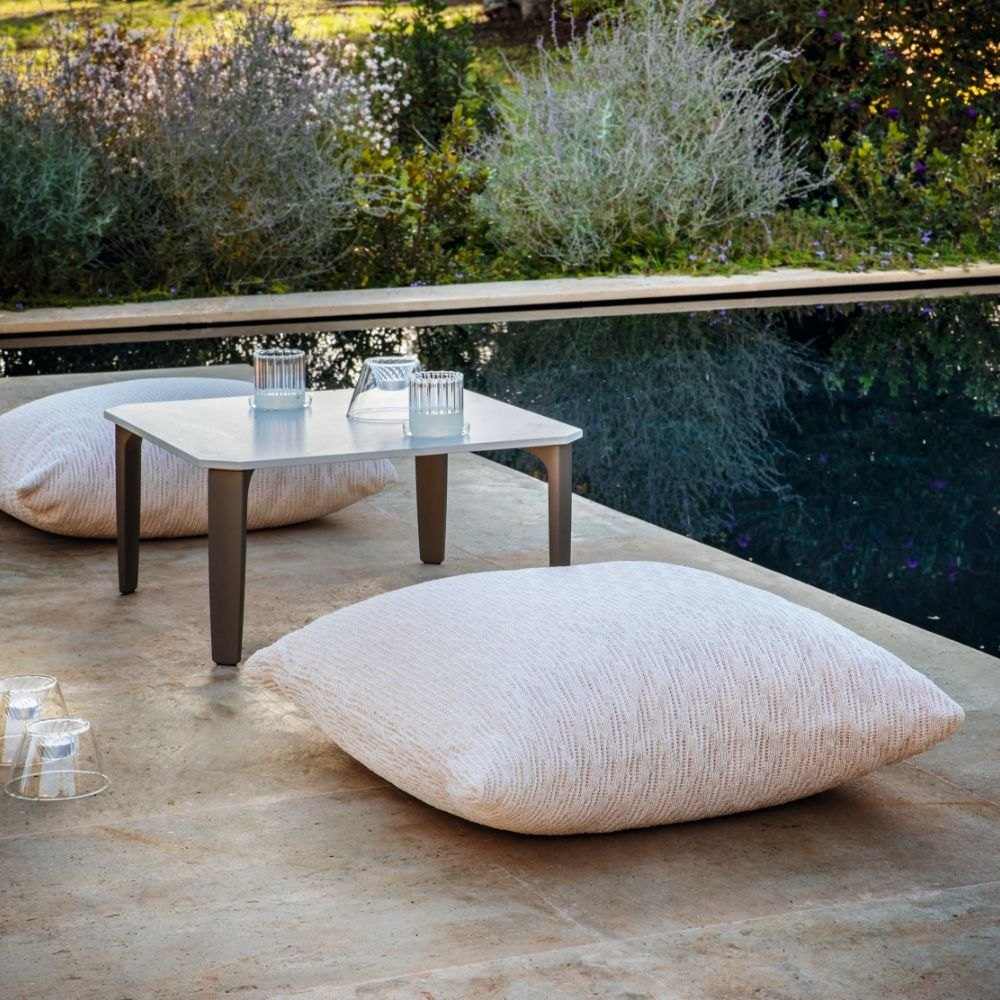 White outdoor cushion, size L