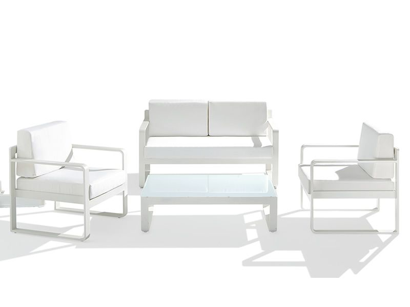 Garden set in white varnished aluminium, with cushions: one sofa, one coffee table, two armchairs