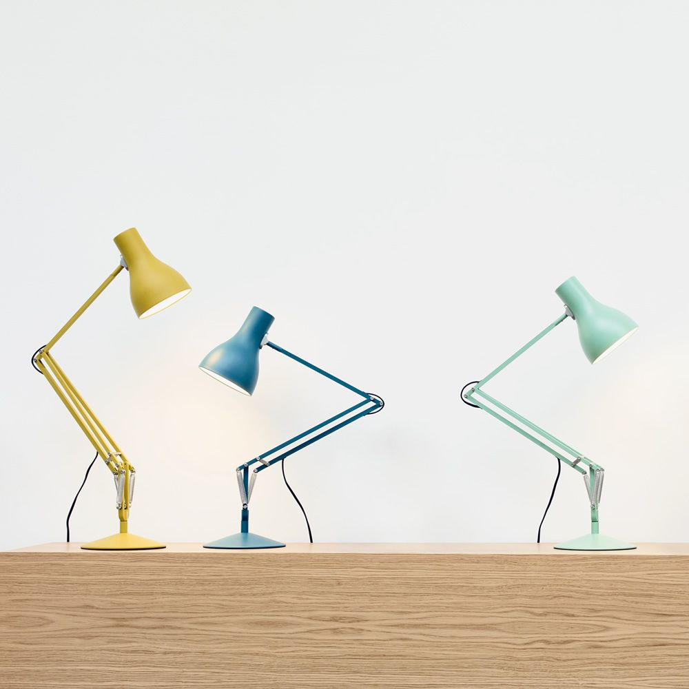 Table lamps in painted aluminium