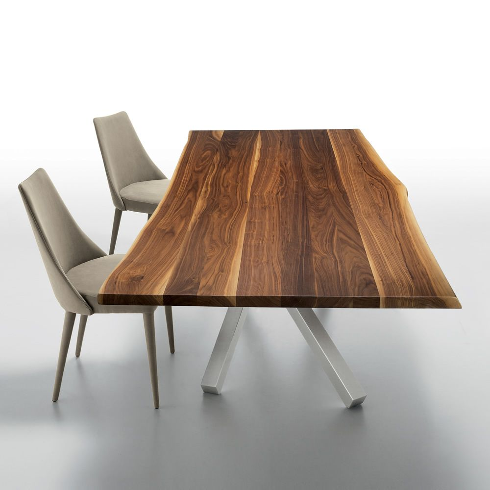 Design table made of steel and solid walnut bark, matched with Sharon chairs