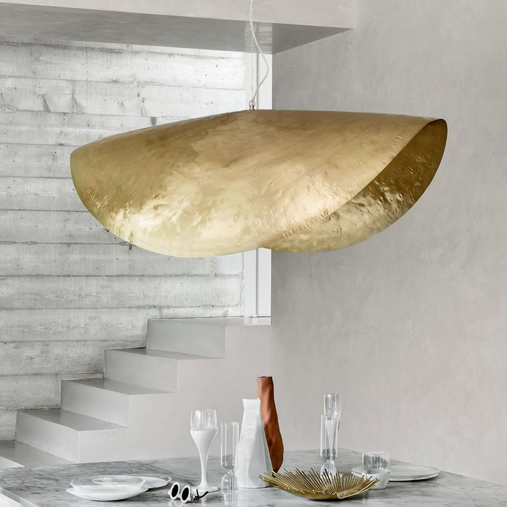 Suspension lamp in hammered matt brass, M model