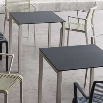 Claro - Dove grey lacquered metal table with black top