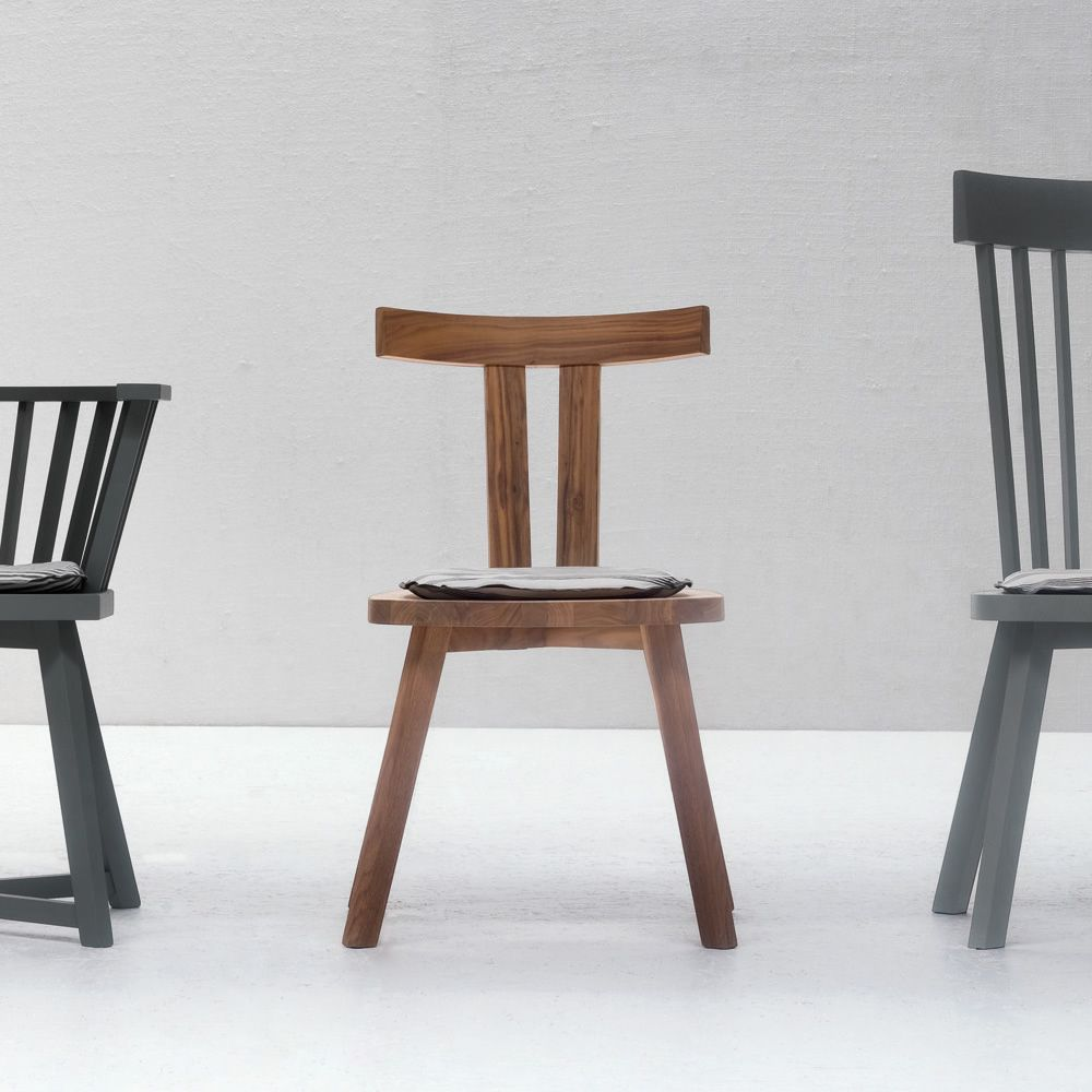 Chairs and tables: Gray 23