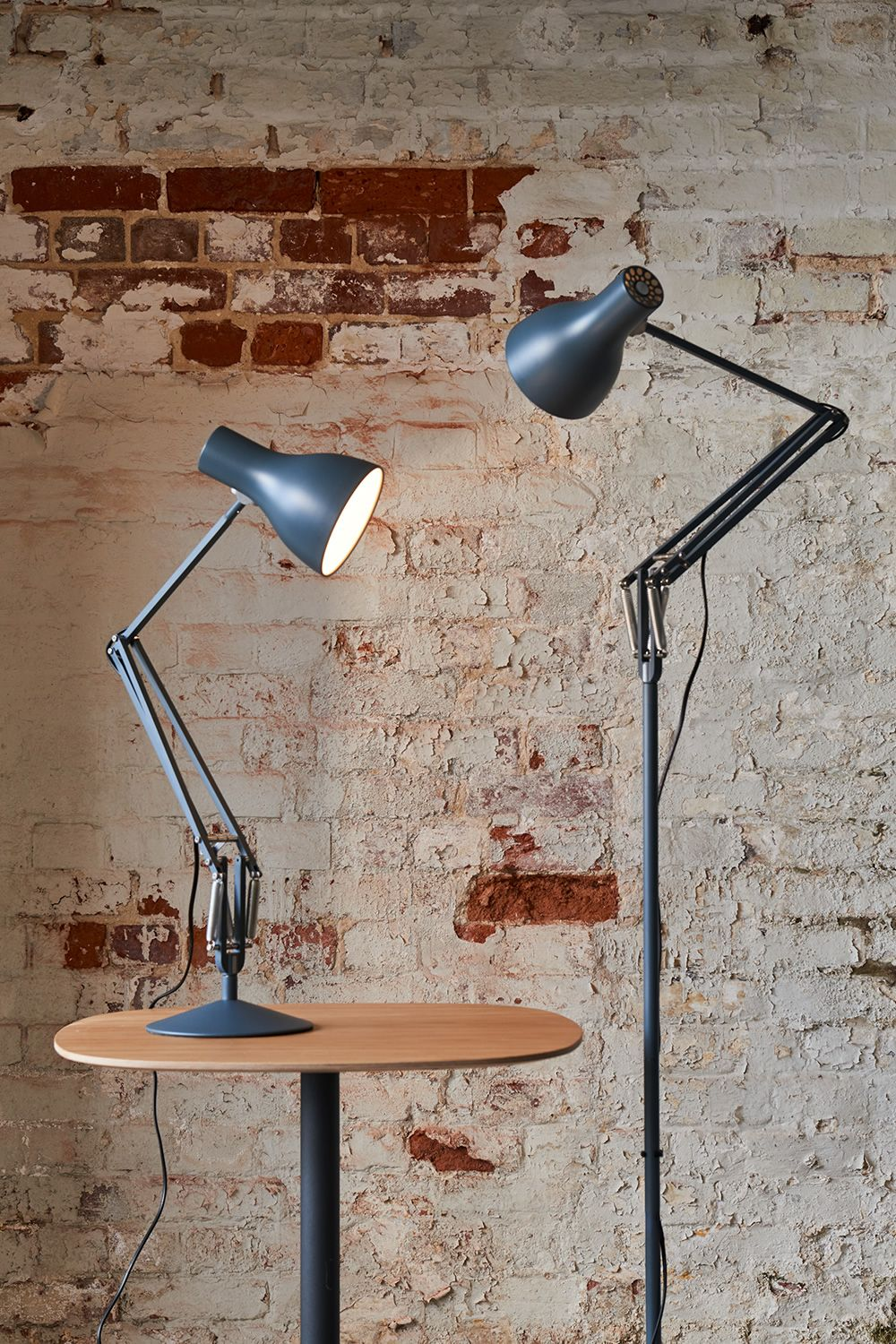 Table lamp in painted aluminium, slate grey colour, matched with floor lamp