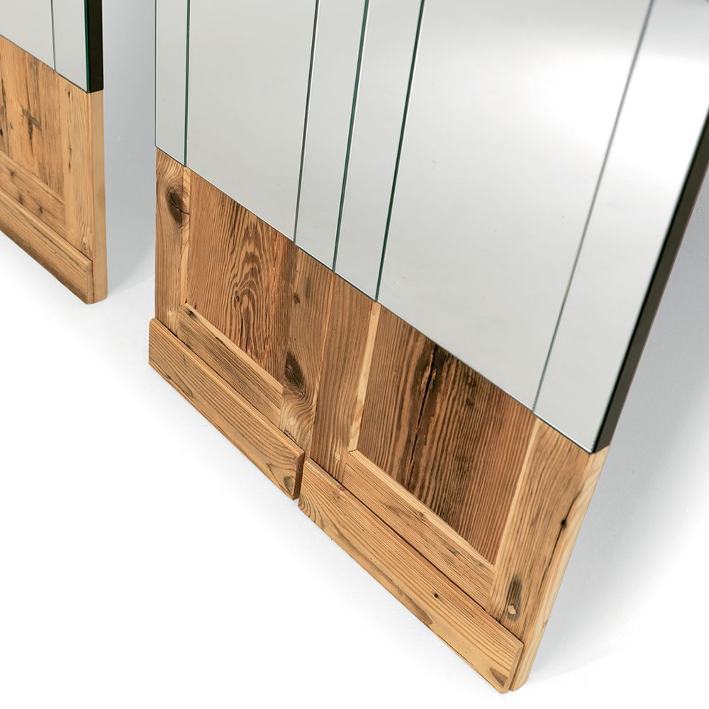 Mogg mirror in wood, available in different sizes