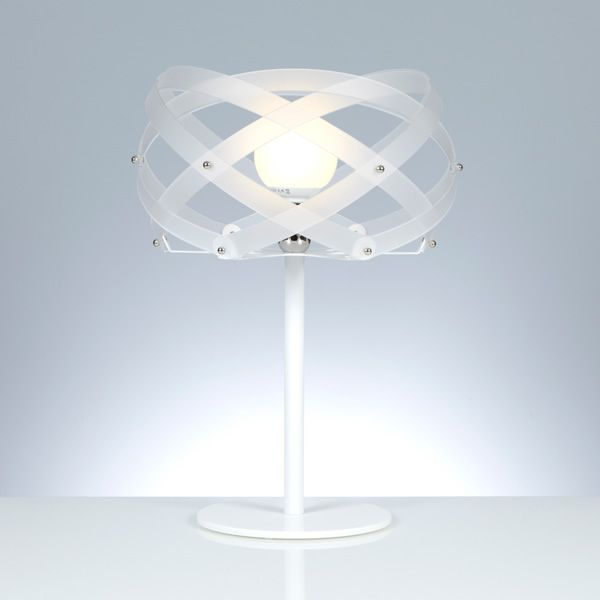 Table lamp with metacrylate lampshade, satin white version
