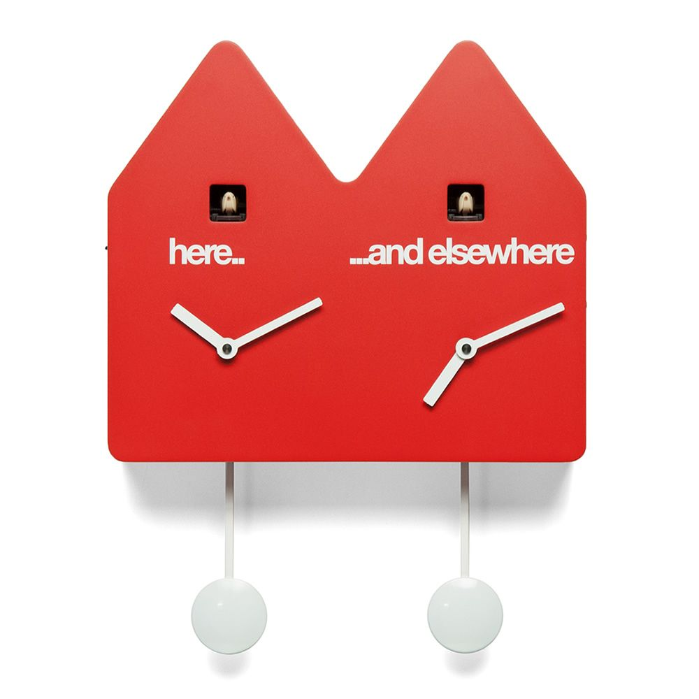 Cuckoo clock in wood, red colour