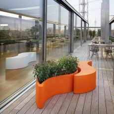 Wave - Slide bench in polyethylene, also for the garden, also with lighting system