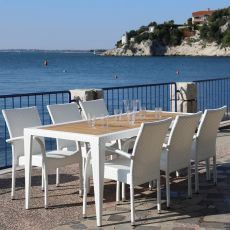 CH-T04 - Outdoor table for bar and restaurant, stackable, in synthetic rattan with wooden top, different sizes available