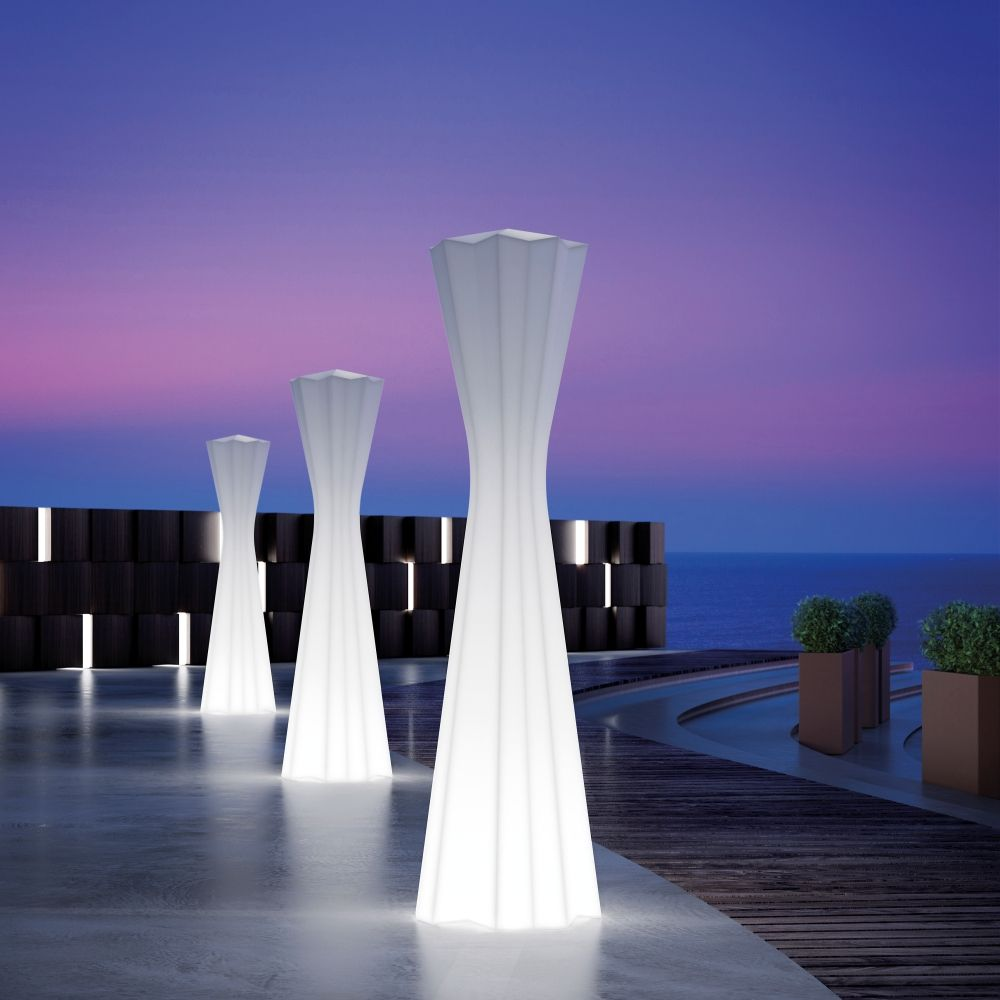 Plust floor lamp, in polyethylene, also for outdoors