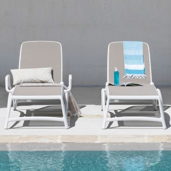 Atlantico - Polyproylene sunbeds with dove grey net, with or without armrests
