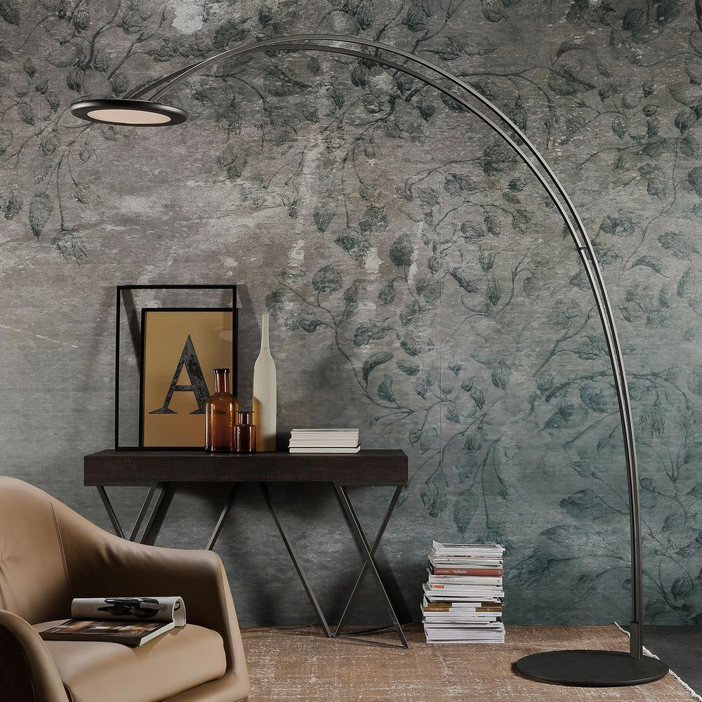 Free-standing lamp in metal, carbon grey colour