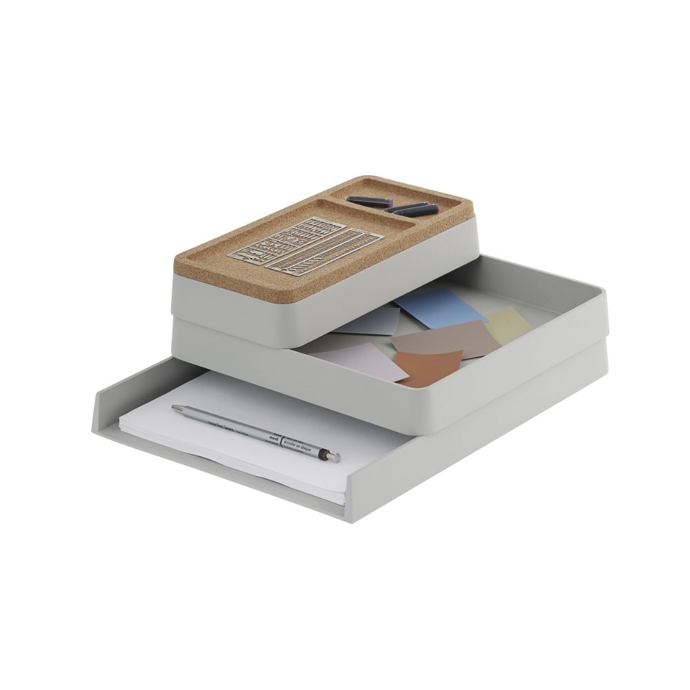 Desk organizer trays by Muuto, in recycled plastic, grey colour