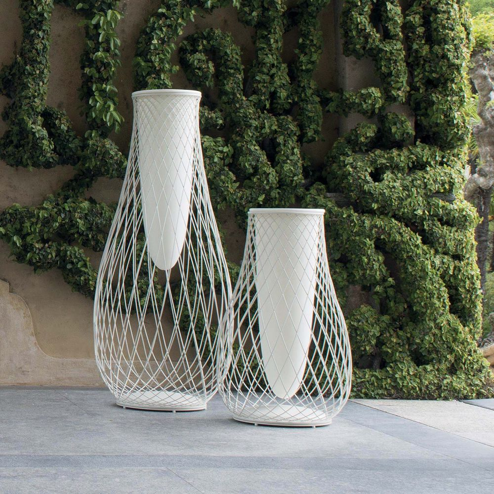 White varnished steel vases with an height of 163 cm or 103 cm