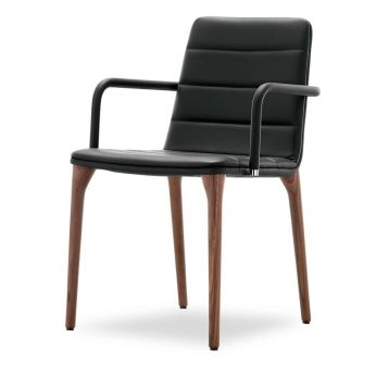 Pit P - Modern chair with wooden structure and leather seat by Tonon