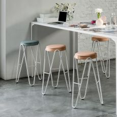 Apelle Jump - Midj stool in metal, with padded seat, seat height 66 or 76 cm