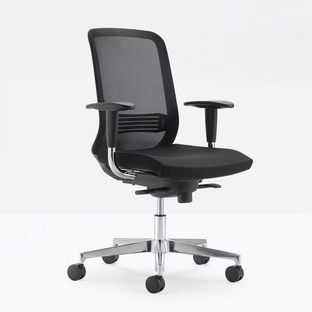 Office chair, backrest in mesh and padded seat, with Classic armrests