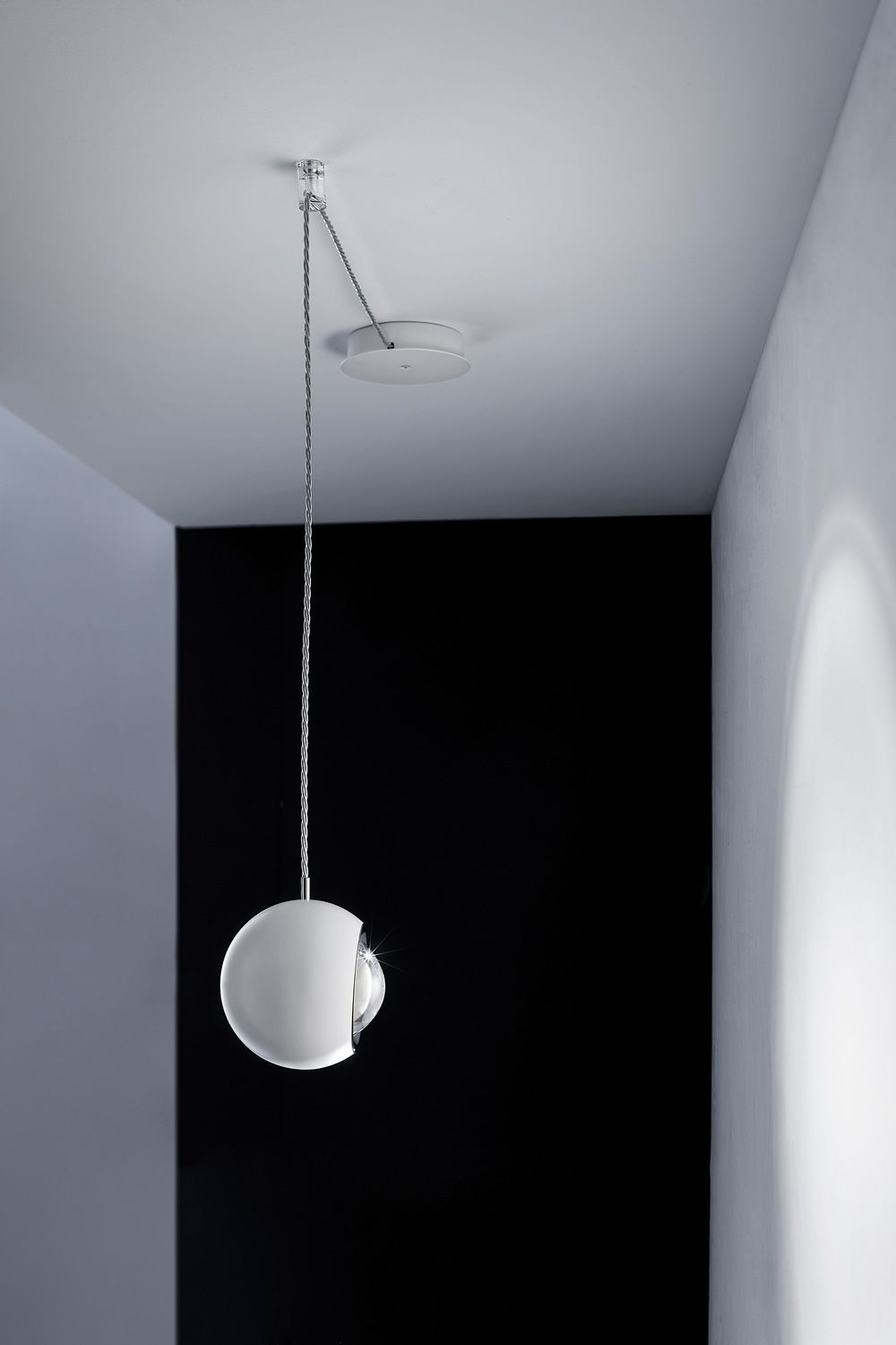 Design pendant lamp, in white painted metal