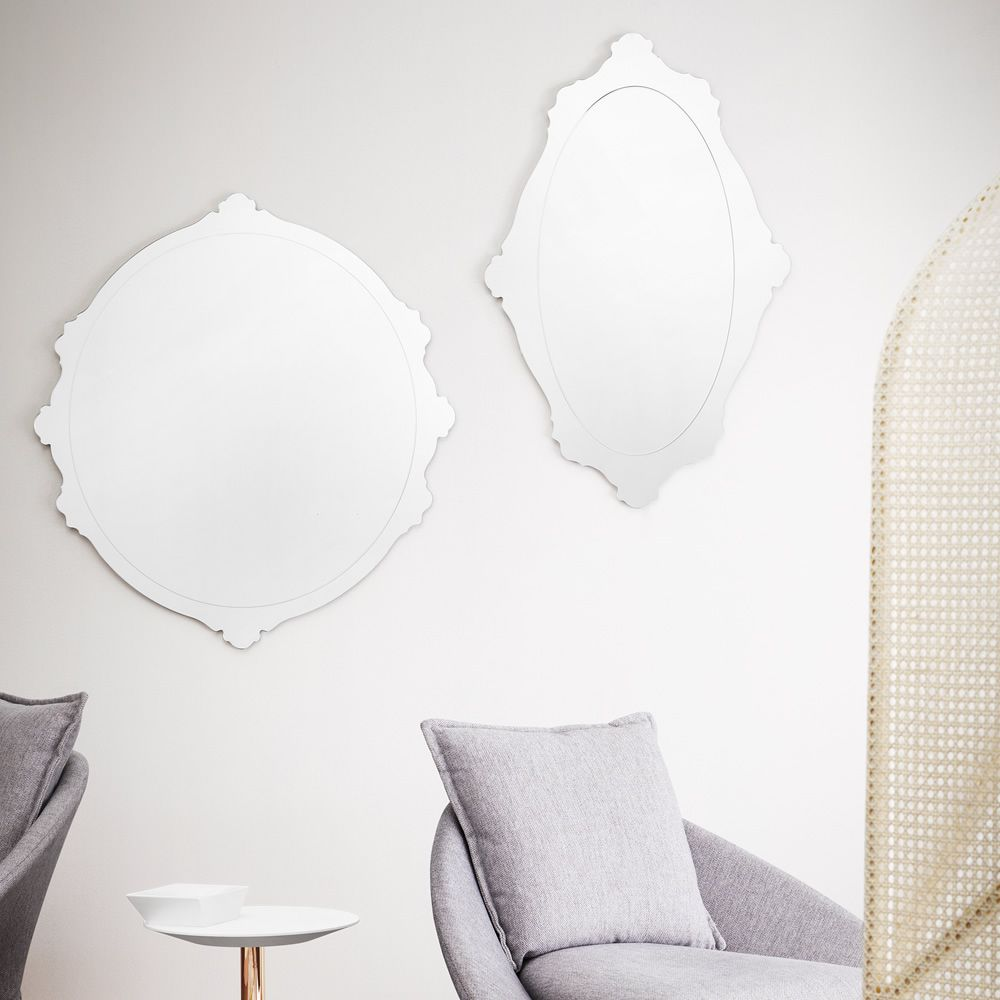 Glass mirrors, available in different dimensions