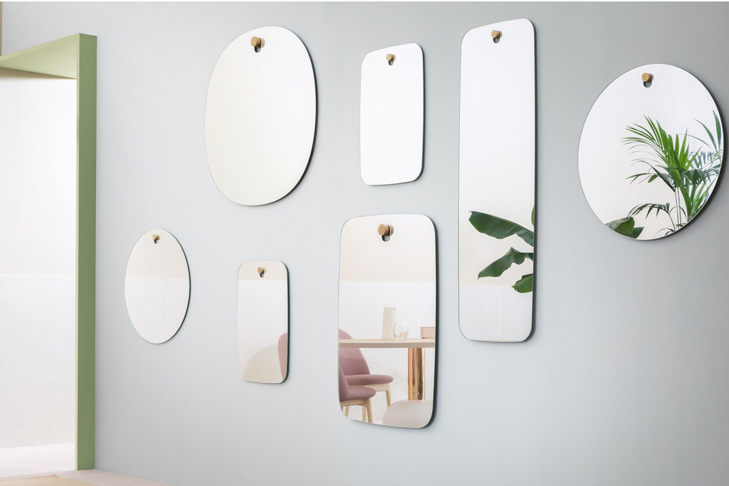 Design mirrors, available in different dimensions