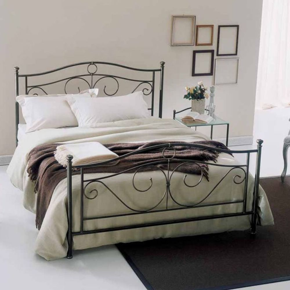 Double bed in dark brown finish iron