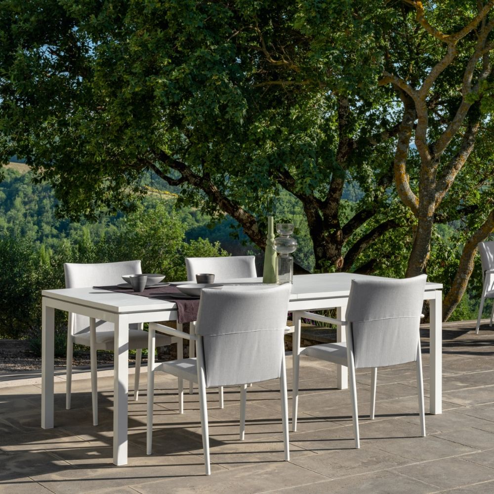 Talenti extensible table with white metal frame and tabletop, matching with Adam chairs