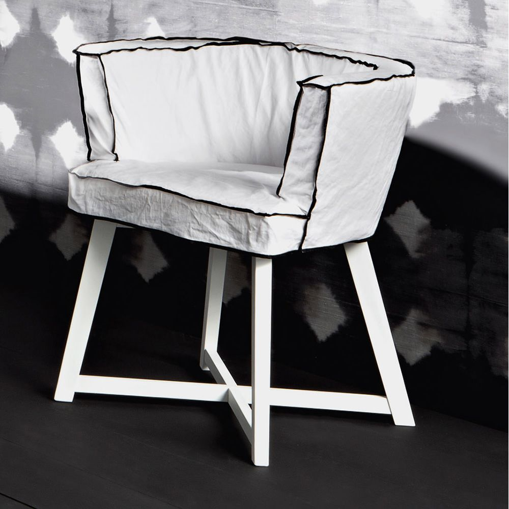 Armchair in white lacquered wood, with Natural fabric covering, white linen