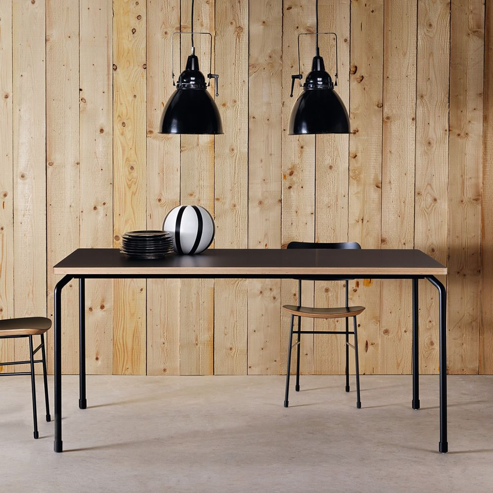 Fixed table in black varnished metal, with black Fenix top