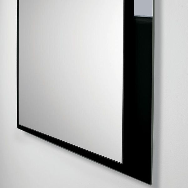 Detail of the rectangular glass with black glass frame
