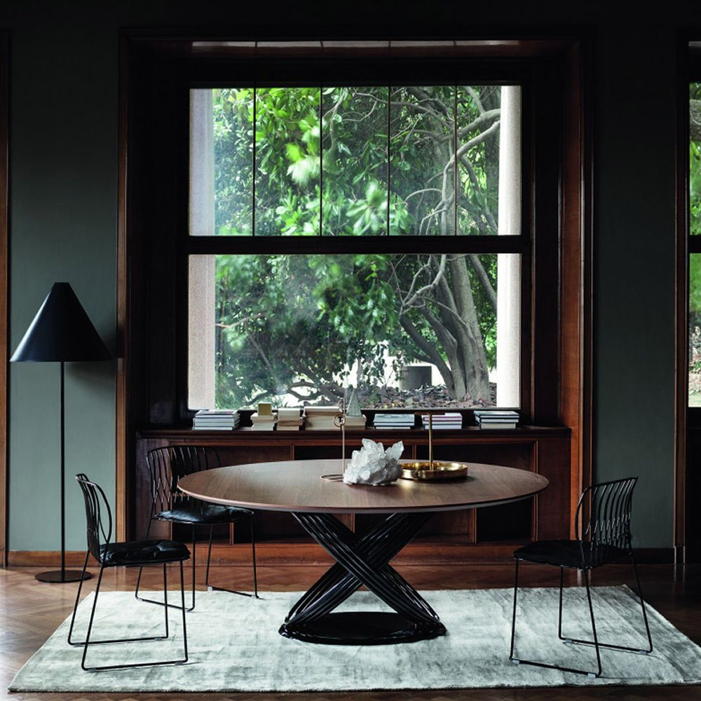 Table with metal base lacquered glossy black, walnut wood veneered top
