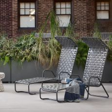InOut 881 F - Gervasoni chaise longue, in aluminium, with PVC seat, for garden