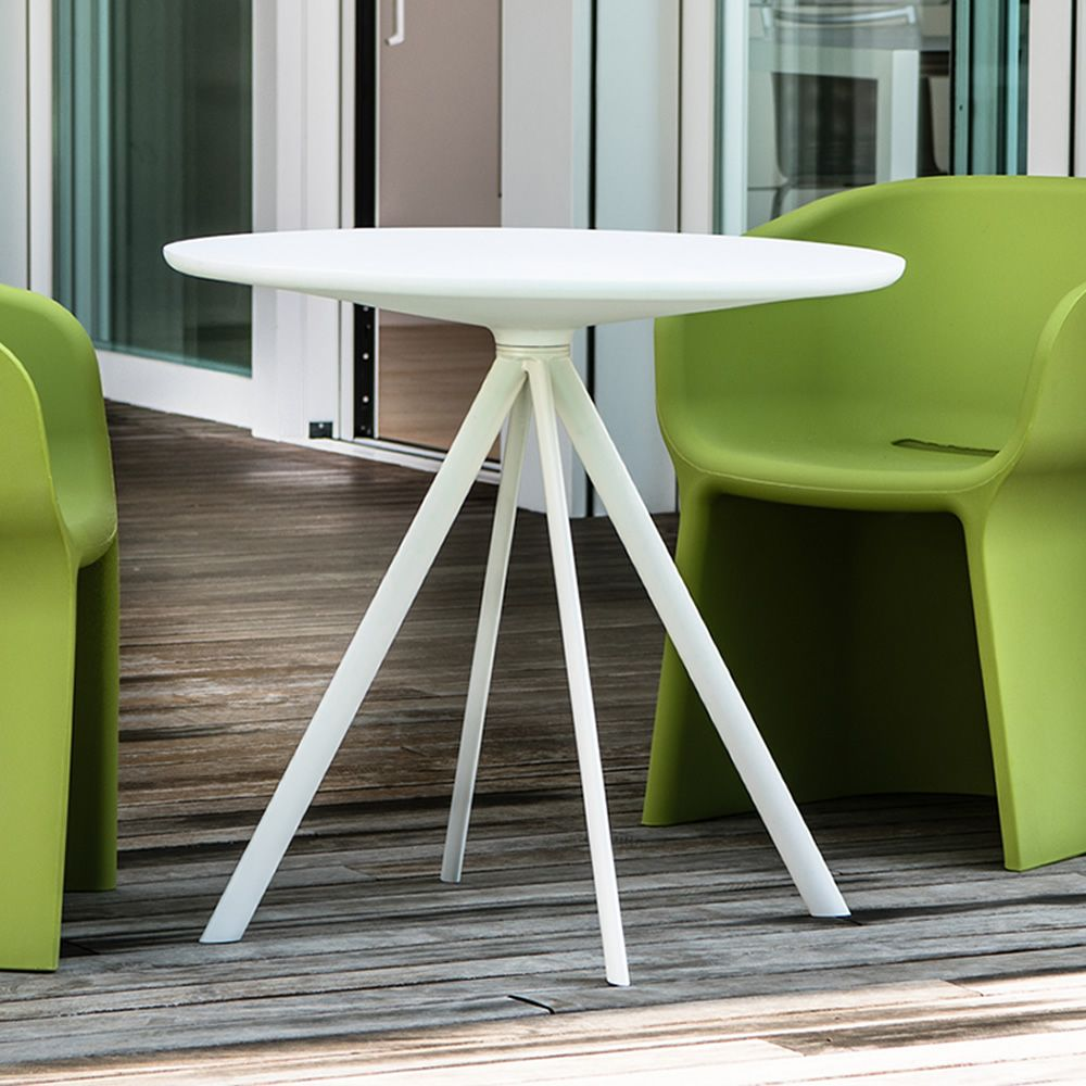 Round table with varnished metal structure and polyethylene top, white colour, also for outdoor