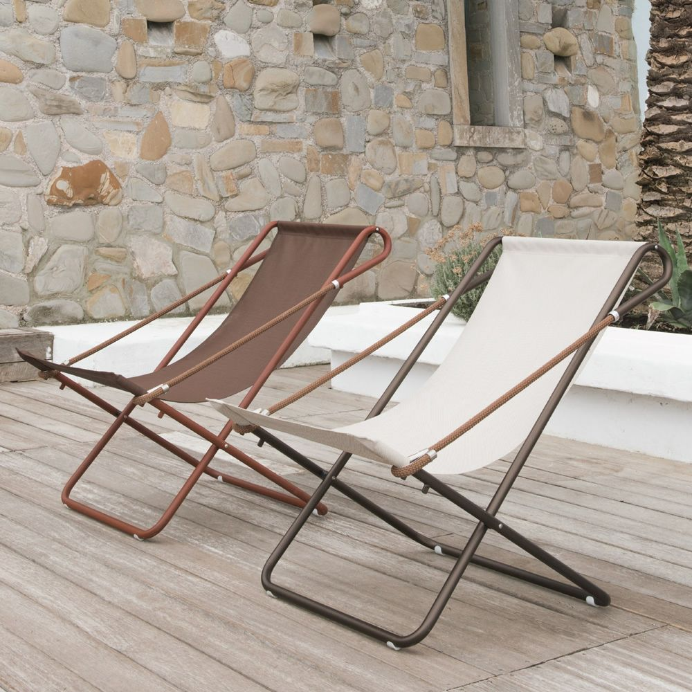 Deckchair with India brown or corten varnished metal chair