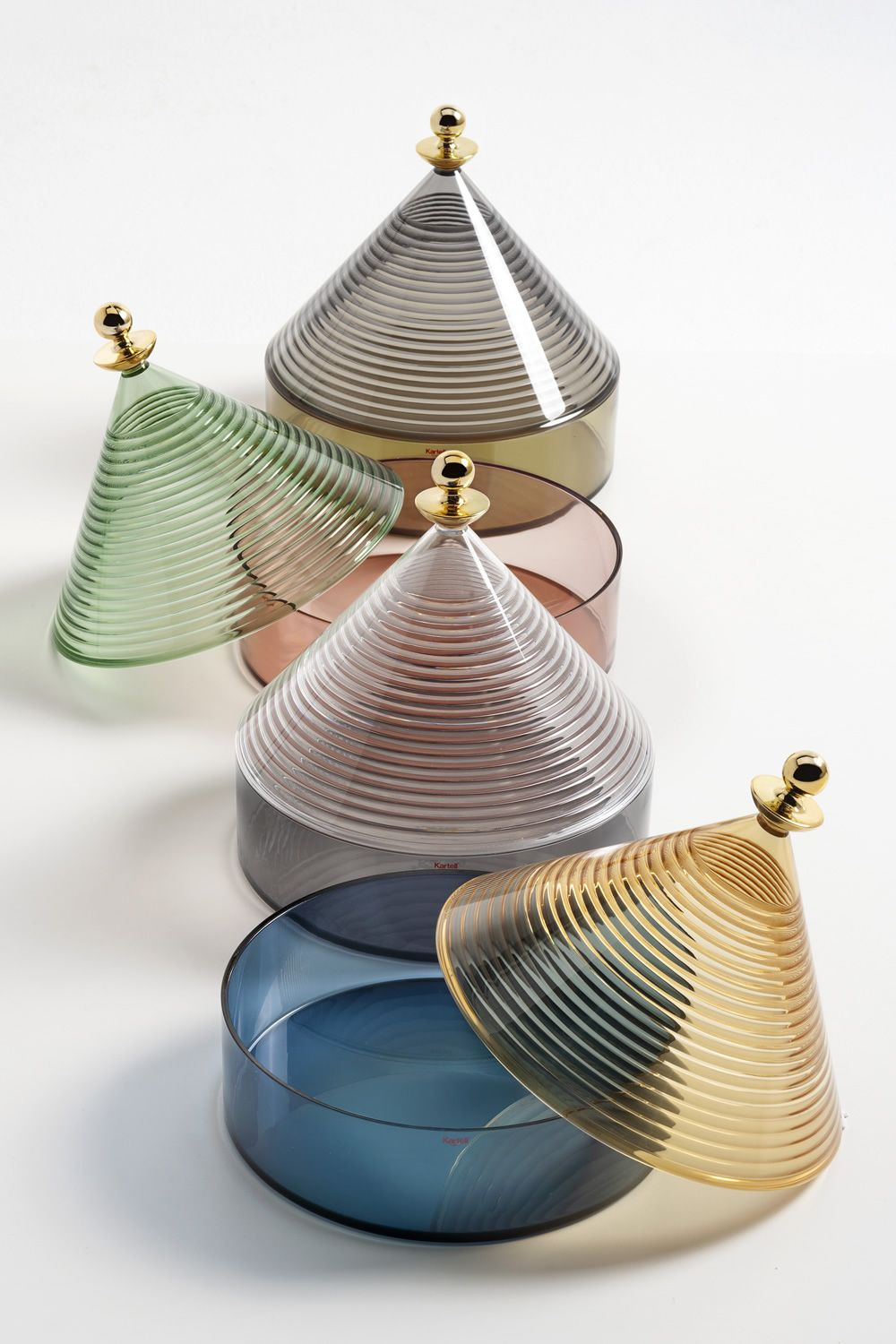 Kartell centrepiece in transparent technopolymer