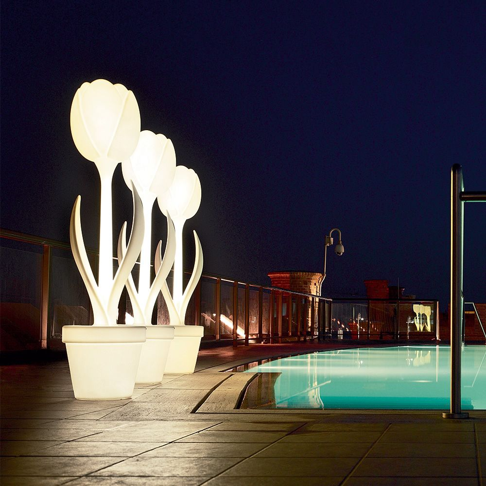 Design floor lamp made of Poleasy®, also for outdoor