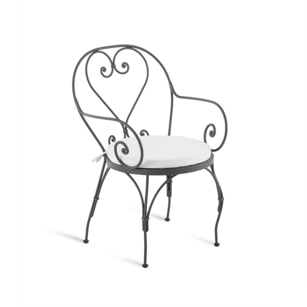 Iron chair with armrests and cushion