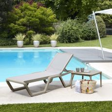 Vela 2044 - Sun bed in technopolymer, with replaceable fabric net and reclining backrest, stackable