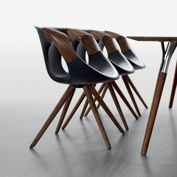 Up Chair Wooden Arms - Modern chair with wooden structure and polyurethane